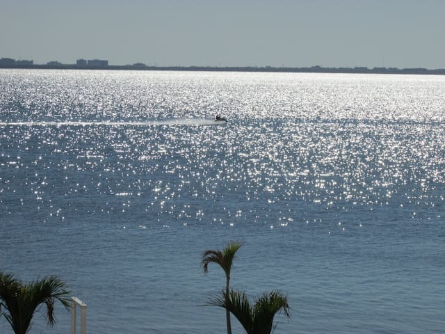 On waters of Tampa Bay, 3 mi to Tampa Int Airport