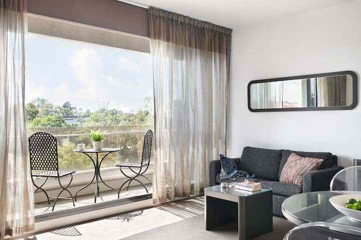 Dandenong Two Bedroom Apartment with Balcony