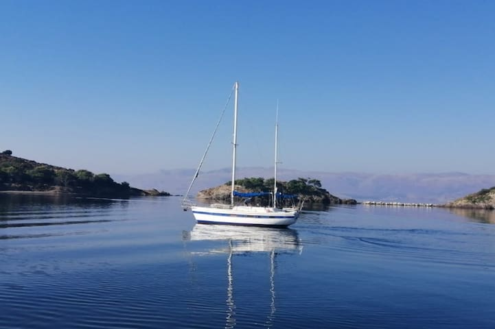Sailboat 7Days Cruise <> Bed & Breakfast