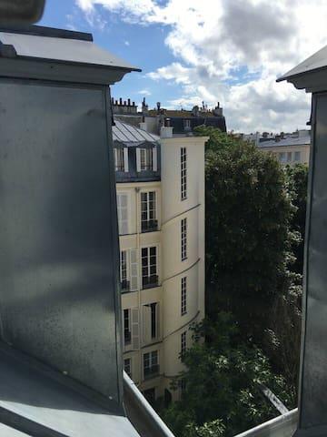 Petit studio à St-Germain des prés
