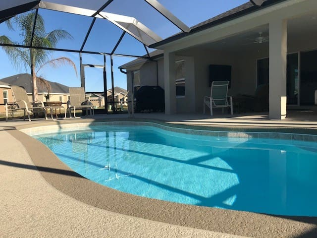 The Villages Florida, private home w/a sunset Pool