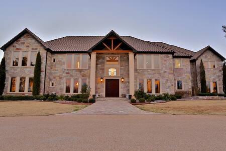 Gorgeous Ranch Estate - Ovalo