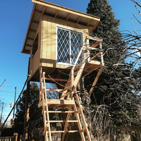 Love Loft Treehouse