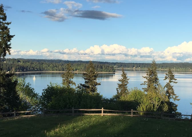 Beautiful Water View Apartment in Poulsbo