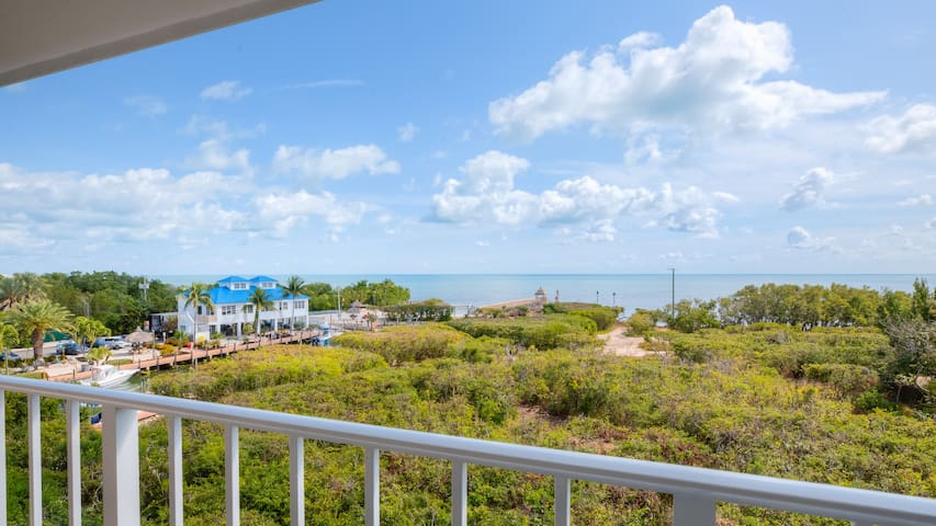 Sensational Ocean Views☼Pool, Pickle-ball & Beach