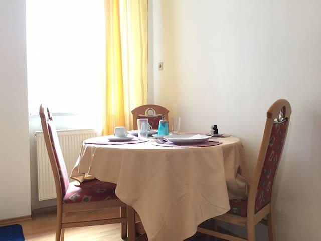 Ferienwohnung ab 4 Personen in Knittelfeld / F1 - Knittelfeld - Appartement
