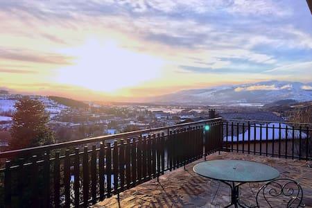 Majestic Lodge | Wifi | Heavenly Views