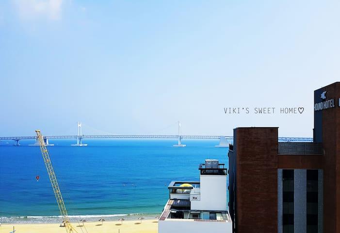 Ocean view! 침실에서 보이는 광안리바다와 광안대교 입니다^^