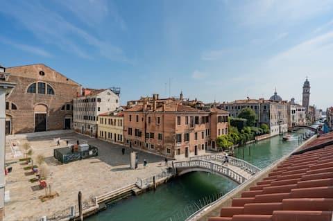 Apartament cu vedere la canal San Lorenzo (LT. M0270429814)