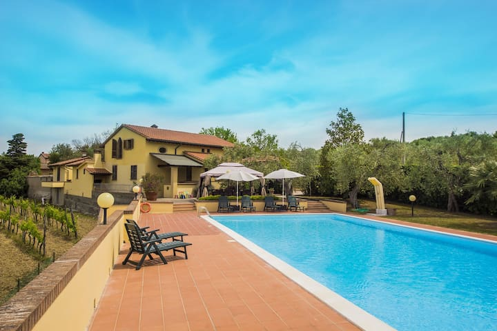 Villa Doveri Ceppeto - Tuscany, with large pool