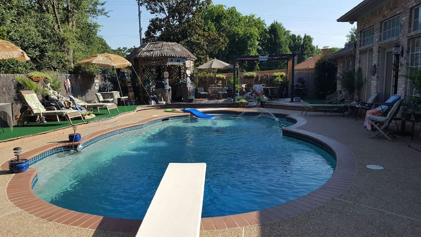 Paradise in DFW Mid-Cities with Pool and Hot Tub! - Bedford