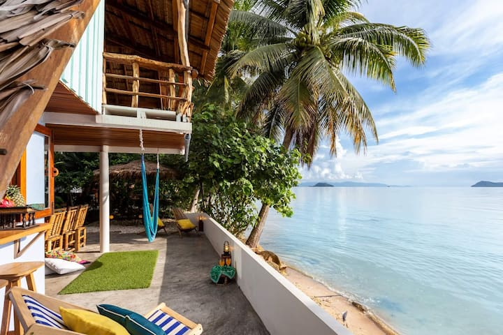 THE NEST❤Charming BeachFront 2BrAC & Loft HIN KONG