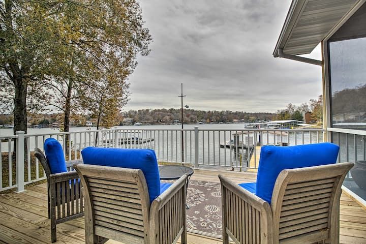'Lily Pad' Waterfront Oasis on Lake of the Ozarks!