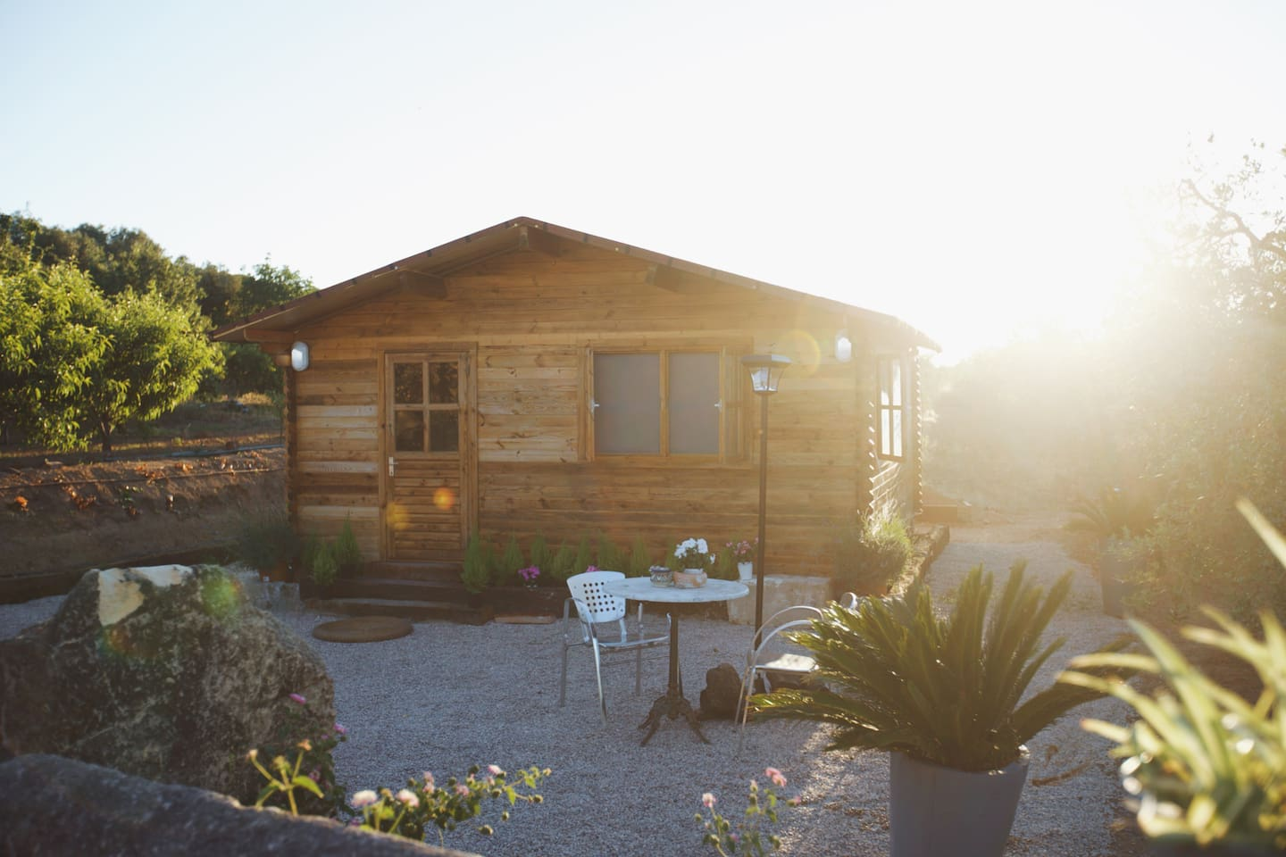 Cosy wooden cabin with pool, bbq & garden - Cabins for Rent in Reus ...