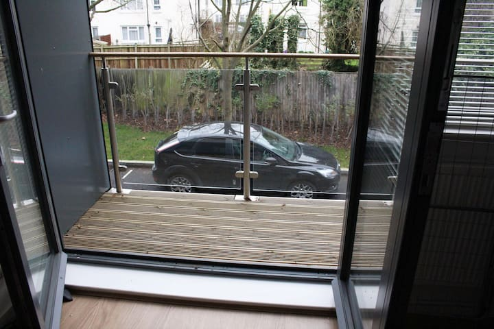 Spacious two bedroom apartment in Ealing - Londres - Apartamento
