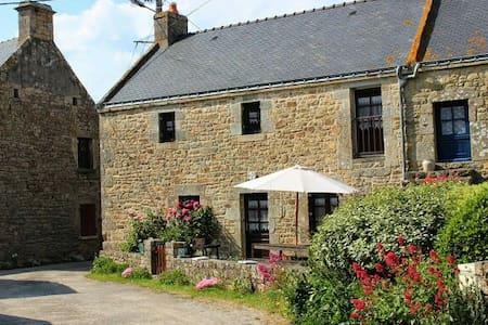 Maison bretonne, calme, cheminée - Erdeven