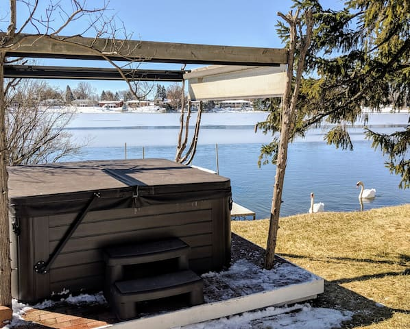 NO cleaning Fee, Guesthouse On  Schoolhouse Lake