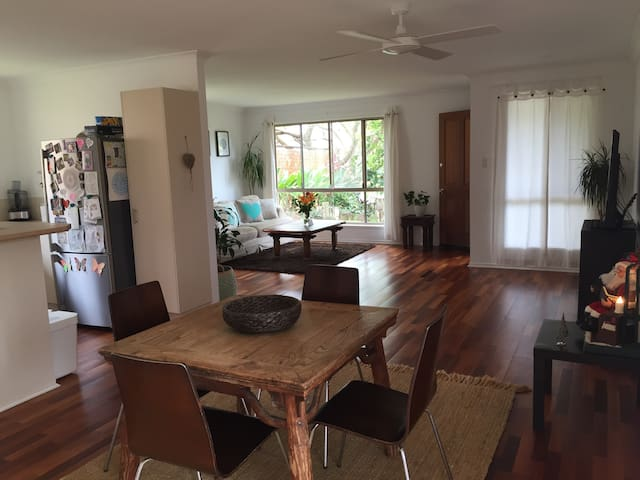 Relaxing escape in Byron Bay - Suffolk Park - Rumah