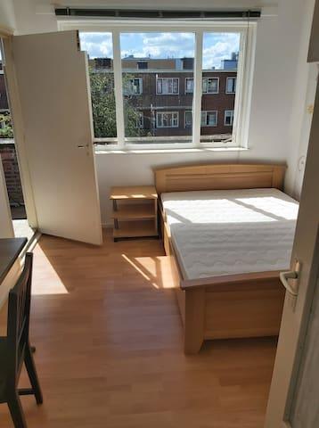 Lekker zonnig 3-kamer appartement op 3e etage