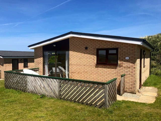 Beachside Holiday Park, Bungalows by the sea...