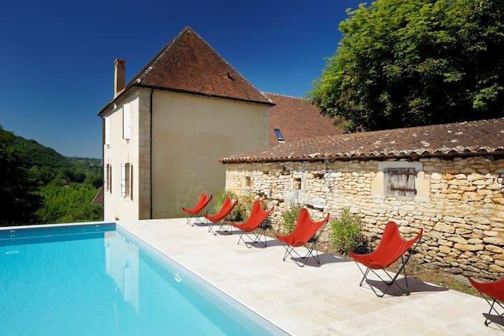 Les Hauts de Saint Vincent B&B with a pool - Beynac-et-Cazenac