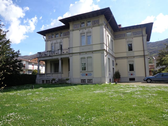 Villa Liberty in Franciacorta, lago d'Iseo - Ome - Wohnung