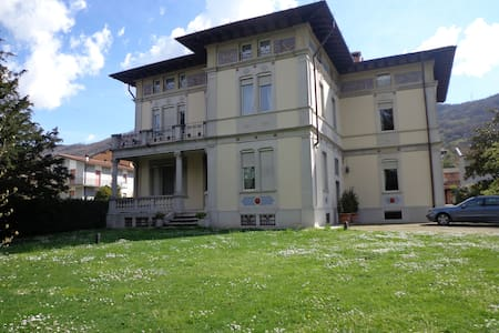 Villa Liberty in Franciacorta, lago d'Iseo - Ome