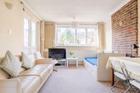 Canary Wharf Double Bedroom