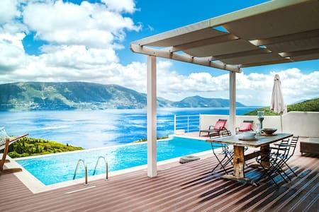 GREEN VILLA (Luxurious Stone Villa) - Fiskardo