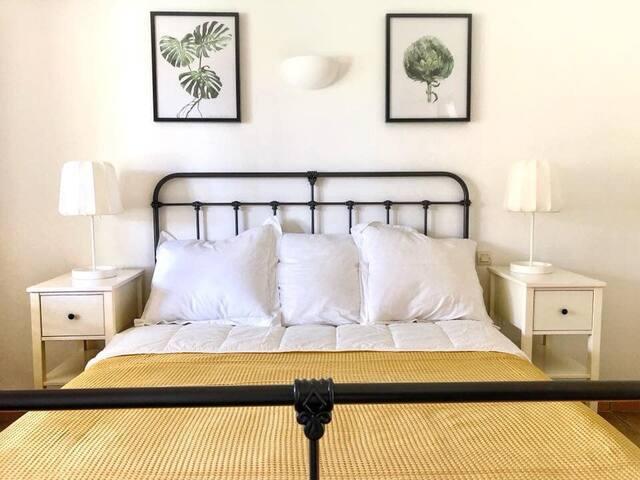 Bedroom 1 - 160cm king size bed