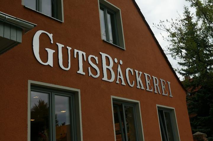3 Sterne Ferienwohnung - Nähe Schloß Neuhardenberg