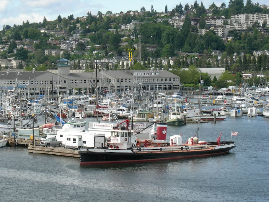 Fisherman's Terminal as seen heading South on the Ballard Bridge
