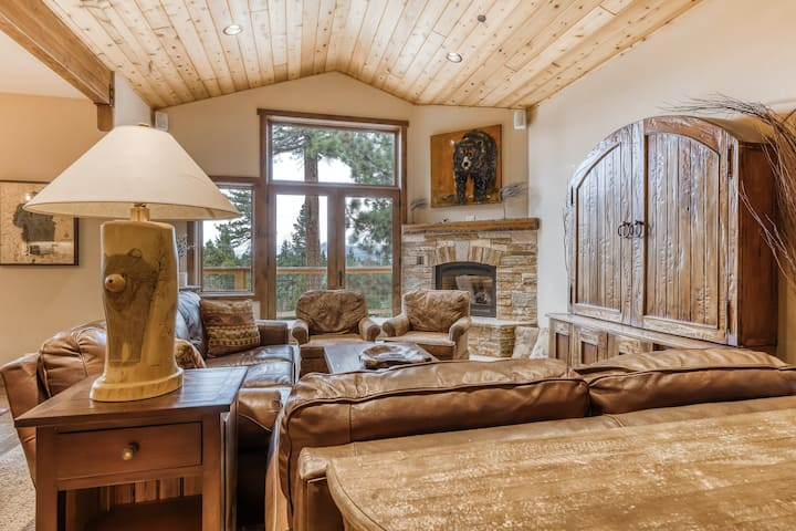 Dog-friendly home w/partial lake views from private deck & hot tub/gas fireplace