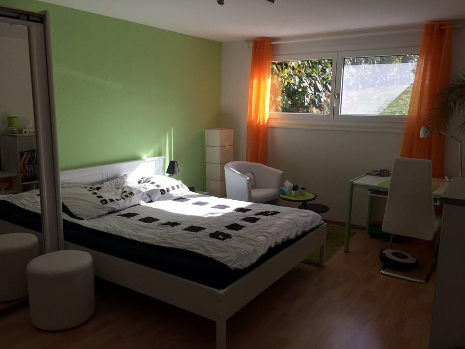 studio moderne proche du centre de bulle appartements louer bulle fribourg suisse. Black Bedroom Furniture Sets. Home Design Ideas