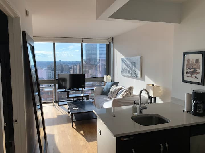 Luxury Studio Central Park West