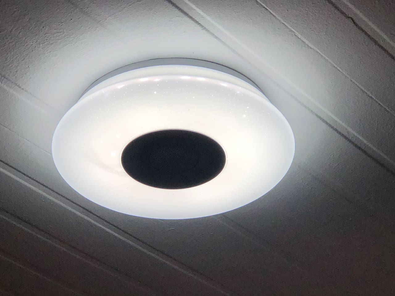 Ceiling light at the bedroom has 3 colors (Daylight, warm white and cool white) and a Bluetooth speaker that you can connect on your cellphones or gadgets.