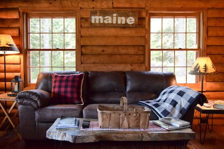 Tranquil Winter Retreat on 40 Acres w/ Fireplace