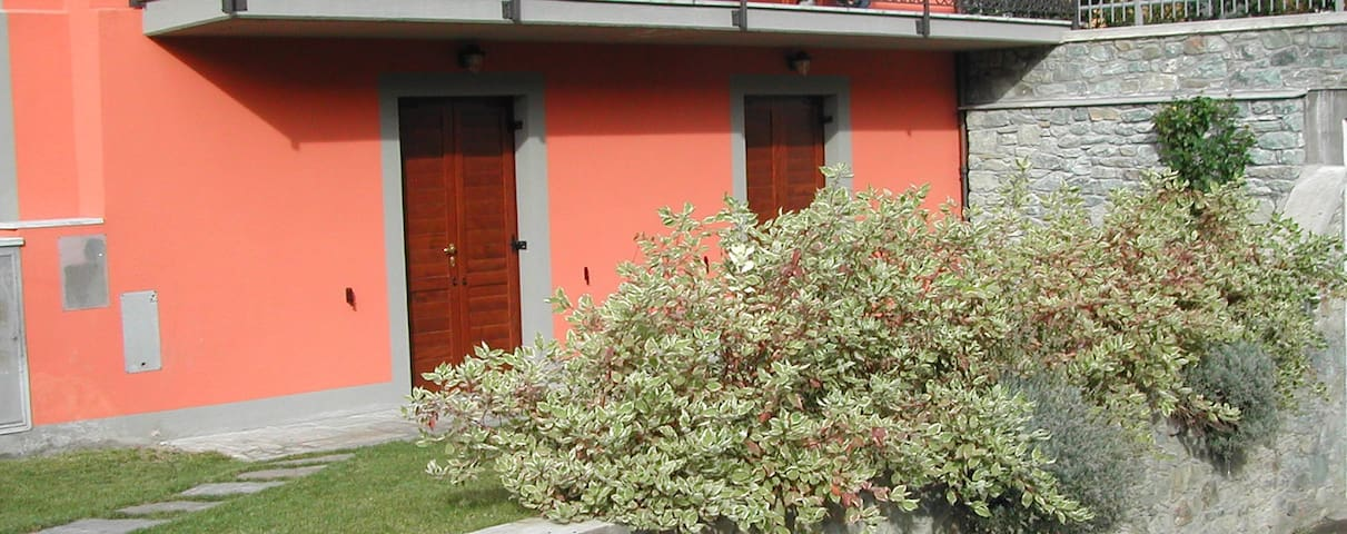 APPARTAMENTO CON GIARDINO - Saint-Vincent - Villa