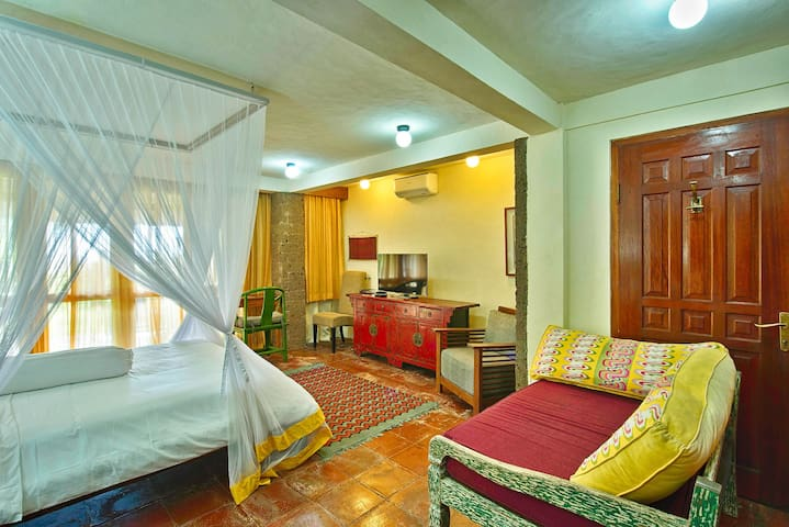 AUTHENTIC YELLOW ROOM WITH SEA VIEW EXPERIENCE