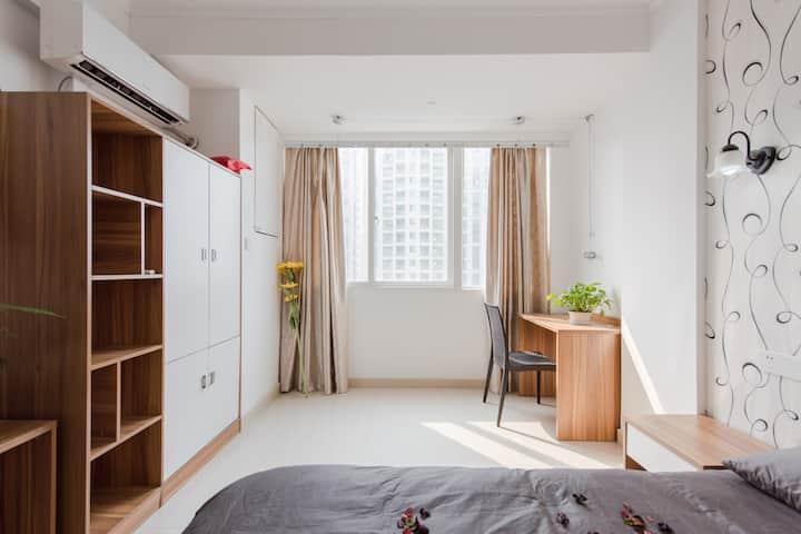 地铁旁的酒店式单身公寓,独立洗手间,完全都独立使用。Room003