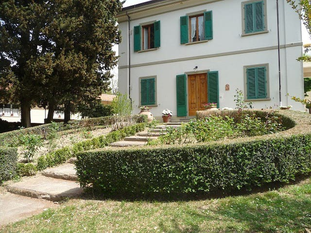 B&B in beautiful villa in the heart of Chianti