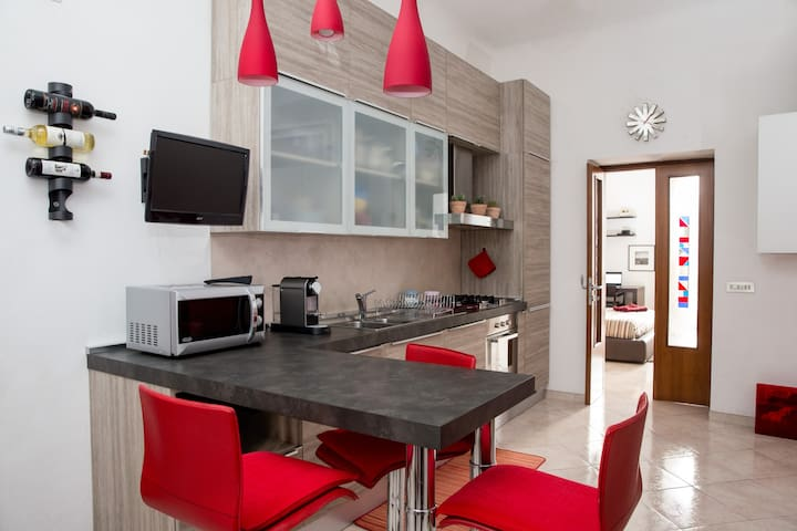 Two rooms' modern apartment in a strategic area