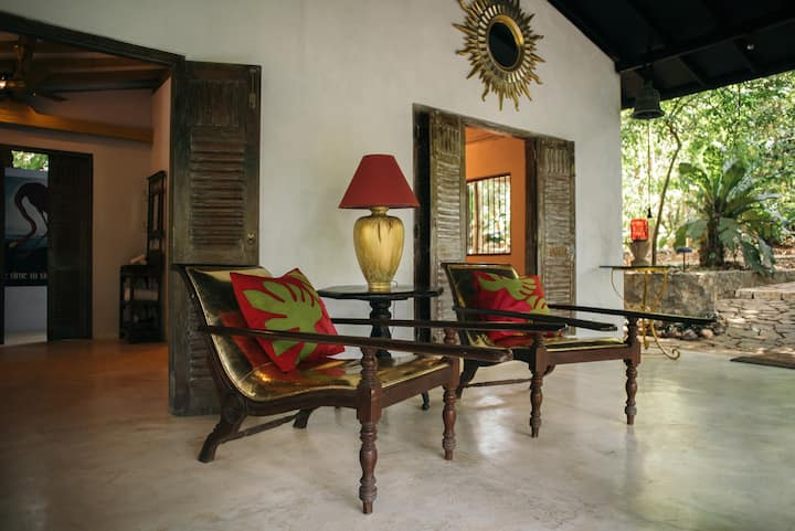 Airport Boutique - Casa Heliconia - Pagoda Suite