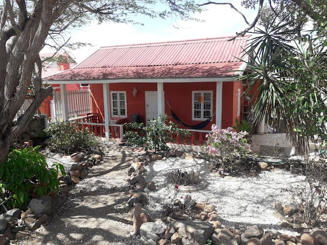 Peaceful and affordable in Aruba's bonita nature