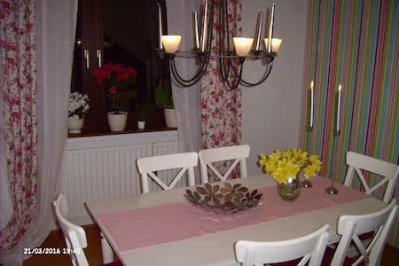 Sehr nette Private Zimmervermietung mit Frühstück - Arnsberg