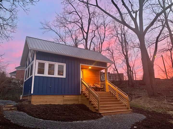 The Bluebird (Tiny House, 5 mins to downtown AVL)