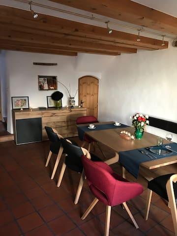 Im Charme eines Engadinerhauses - Scuol - Maison
