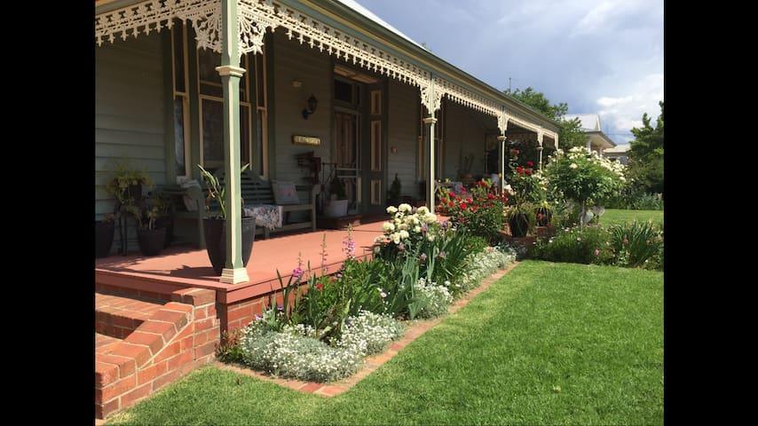 Charming Victorian Home - Maryborough - Ev