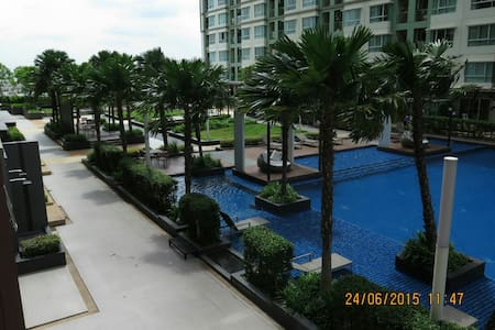 COZY 30 Q2 1BR Nice CHAO PRAYA AND POOL VIEW WINDY - Sathorn Road - Apartment