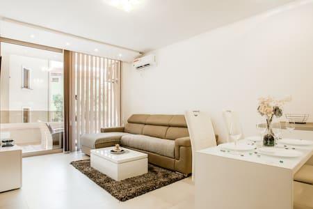 ❤ Lux Apartment Teodora Rafailovici 4*